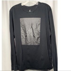 Nike Graphic Long Sleeve Top